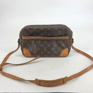 Authentic Louis Vuitton Crossbody bag